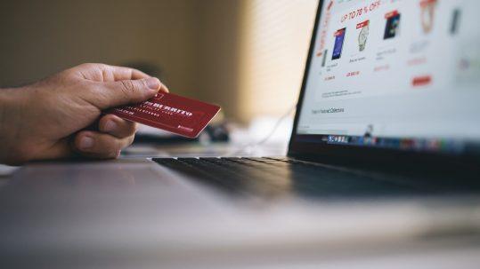 entenda a importância de fazer o planejamento das suas compras no final do ano.